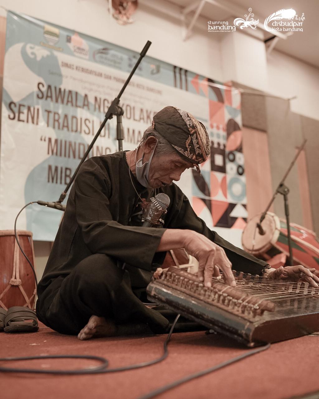 Kegiatan Pelatihan Manajemen Budaya untuk Sanggar dan Lingkung Seni Kecamatan Cibiru